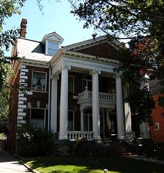 Colonial Revival in Toronto - built in 1902 Colonial Revival Architecture, Architecture Details, Design Movements, William Morris, Art Decor, Interior Decorating, Mansions, House Styles, Building