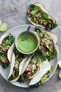 Mushroom Asparagus Tacos with Jalapeno Cashew Crema Recipe (Paleo, Vegan) - These paleo and vegan asparagus, mushroom and spinach filled tacos pack a flavorful punch thanks to a creamy jalapeno and cilantro crema. Healthy Taco Recipes, Healthy Tacos, Vegetarian Recipes Dinner, Gourmet Recipes, Whole Food Recipes, Vegan Recipes, Dinner Recipes, Mexican Recipes, Paleo Vegan