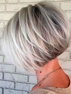 Short hairstyles 2018 for women's above 40 according to the shape of your face