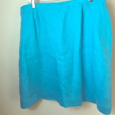 18 Talbots Linen turquoise skirt This is beautiful Talbots Irish linen skirt. It is a lovely shade of turquoise and is lined. Great condition and a size 18! Talbots Skirts Midi