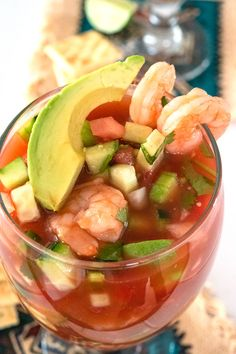 Mexican Shrimp Cocktail, Mexican Cocktails, Mexican Seafood, Mexican Dishes, Fish And Seafood, Seafood Recipes, Mexican Food Recipes, Appetizer Recipes, Cooking Recipes