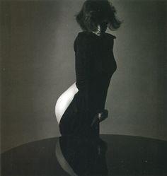 Jeanloup Sieff, White buttocks, Paris, 1985