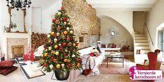 De Ginger Red is een chique versierde kerstboom, gedecoreerd in rood, brons, koper, goud en bruin tinten. De uitstraling van de boom is luxueus en stijlvol met het oog op een nieuwe variatie van een traditionele kerst. De boom glittert en straalt u tegemoet en de sfeer is bijna letterlijk te proeven met decoraties zoals gingerbreads en glanzende cup cakes. Een smakelijke boom die tijdens de decembermaanden voor een extra warm gevoel zorgt.