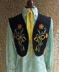 H Bar C Ranchwear Vintage Women's Western Bolero Vest. Fully lined Vintage Western Wear, Vintage Ladies, 1940s Woman, Chain Stitch Embroidery, California Style, 1940s Fashion, Hat Sizes, Black Wool, Movie Stars
