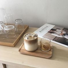 Cream Aesthetic, Aesthetic Coffee, Brown Aesthetic, Aesthetic Food, Cozy Aesthetic, Japanese Aesthetic, Aesthetic Grunge, Coffee Cafe, Iced Coffee