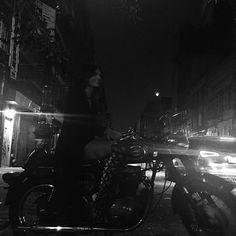 Instagram media kendalljenner - city bike