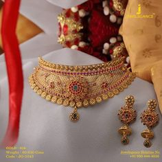 Jewelegance ( myjewelegance ) - Add sparkle with Gold Necklace. Get in touch with us on 919904443030 Gold Earrings Designs, Gold Jewellery Design, Necklace Designs, Gold Jewelry, Jewelery, Handmade Jewellery, Quartz Jewelry, India Jewelry, Pendant Jewelry
