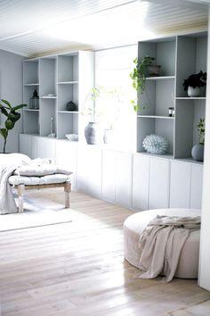 Diy Room Decor, Bedroom Decor, Home Decor, Diy Interior, Interior Design, Ikea Eket, Living Spaces, Living Room, Built In Bookcase