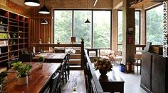 Guangzhou\'s newest bookshop and cafe offers free stays for backpackers.