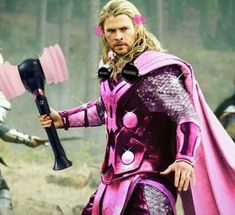Thor is a Blink xd Blackpink Funny, Memes Funny Faces, Funny Kpop Memes, Avengers Memes, Marvel Memes, Square Two, Mtv, Lisa Blackpink Wallpaper, Le Concert