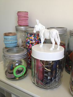 I made this last summer - a glass jar from ikea, one of the kids animals and a spraycan of paint. Superglue the animal to the lid, 2 cotes of spraypaint and done, Easy! Kids Animals, Old Fashioned Glass, Spray Painting, Cool Diy, Glass Jars, Ikea, Arts And Crafts, Cool Stuff, Easy