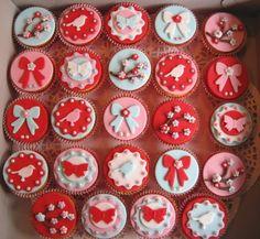 Pip-style cupcakes