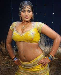 Heroine Photos, South Indian Film, Sexy Poses, Bollywood Stars, Indian Girls, Hottest Photos, Indian Beauty, Desi, Dancer