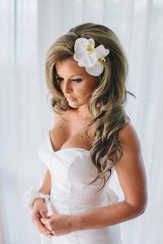 Hawaiian hair styles on Pinterest | Hawaiian Nails, Summer Wedding ...