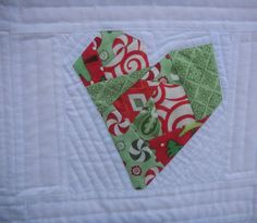 The Cuddle Quilter: I Heart Santas