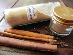 Sal com especiarias - com ervas frescas - com pimenta