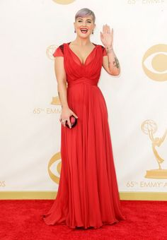 Модата на црвениот тепих на Еми наградите - CRNOBELO.com