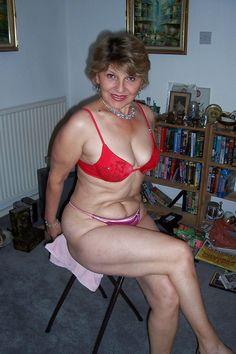 Mamans matures chaudes sexy en culotte rouge
