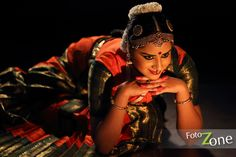 Bharatanatyam Poses - classical dance Photographer - Chennai - arangetram invitation photo shoot