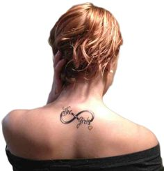 Upper Back Family Tattoo for Women Family Tattoos For Girls, Girl Back Tattoos, Back Tattoo Women, Sister Tattoos, Tattoos For Women, Tattoos For Guys, Hot Tattoos, Tatoos, Intricate Tattoo