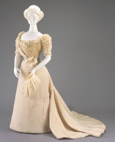 Evening dress, 1898  From the Cincinnati Art Museum