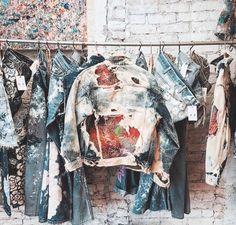 Раскрашенные Джинсы, Одежда Своими Руками, Джинсовое Искусство, Мужская Джинса, Джинсовый Стиль, Мужские Повседневные Наряды, Мужской Стиль, Переработанная Одежда, Джинсовые Куртки