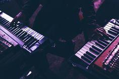Su:ggestiva è un'esperienza di scoperta ad alto impatto emozionale: assistere a concerti e performance musicali in location bellissime, suggestive, uniche ed insolite. É il luogo che ospita il concerto ad essere, insieme alla performance artistica, il fulcro dell'esperienza. Ph, Piano, Music Instruments, Musical Instruments, Pianos