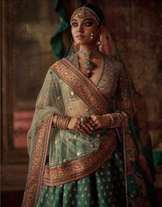 Sabyasachi winter 2019 collection: Charbagh - Love for the design! Indian Wedding Gowns, Pakistani Wedding Outfits, Indian Bridal Outfits, Indian Weddings, Sabyasachi Collection, Bridal Lehenga Collection, Garba Dress, Sabyasachi Bride, Bridal Photoshoot