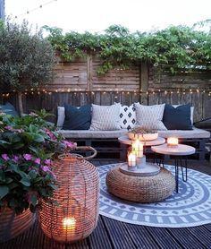 Some Great Suggestions for Springtime Patio Furniture – Outdoor Patio Decor Outdoor Rooms, Outdoor Gardens, Outdoor Living, Outdoor Decor, Backyard Patio Designs, Backyard Decks, Patio Ideas, Outside Living, Pergola