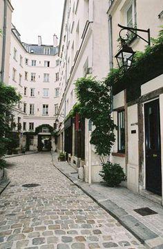 bastille hostel paris 11