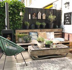 Rustic Outdoor Seating Verandas 70 Ideas For 2019 Backyard Seating, Outdoor Seating Areas, Garden Seating, Terrace Garden, Outdoor Lounge, Backyard Patio, Outdoor Living, Patio Gardens, Floor Seating
