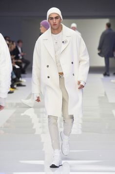 Versace FW16.  menswear mnswr mens style mens fashion fashion style runway versace
