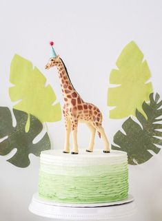 Jungle party birthday cake Bring the jungle to you home with these helpful jungle birthday party ideas! Perfect for any jungle-themed party. Jungle Birthday Cakes, Animal Birthday Cakes, Wild One Birthday Party, Safari Birthday Party, Birthday Cake Girls, First Birthday Cakes, Boy Birthday Parties, Jungle Party, Birthday Ideas
