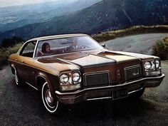 #Oldsmobile Delta 88 Royale (1972) – The biggest 88's where build between 1972 and 1976. The wheelbase reached 124.0 in (3,150 mm). For comparsion: A modern Chevy Suburban's wheelbase is 130.0 in (3,302 mm)