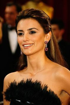 Google Image Result for http://www.arasale.com/photo3/penelope-cruz/penelope_cruz28.jpg
