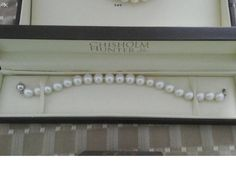 Items similar to Silver cultured Pearl bracelet new box ,mothers gatsby ,peaky blinders ,wedding . on Etsy Pearl Bracelet, Pearl Necklace, 1920 Great Gatsby, Gold Jewelry, Unique Jewelry, Jewellery, Vintage Outfits, Vintage Clothing, Peaky Blinders
