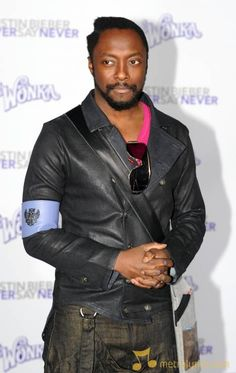 Will.i.am Famous Men, Famous People, Music Express, American Rappers, Hip Hop Artists, My Buddy, Pop Bands, Black Eyed Peas, Portrait Photo