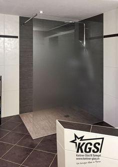 Beispiele von Echtglas-Duschtrennwände in Badezimmer - KGS