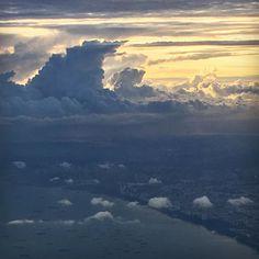 Camille Goutal #singapore #plane #sunset #sky #cloud #storm #harrypotterhat