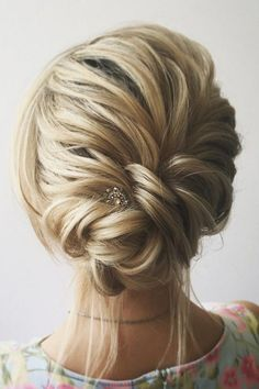 fishtail-updo-wedding-hairstyles-with-hairpins.jpg 600×900 piksel