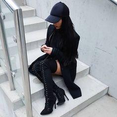 All black outfit Fashion Night, Boho Fashion, Womens Fashion, Fashion Trends, Fashion Hats, Fashion Accessories, Bohemian Mode, All Black Outfit, Fashion Killa