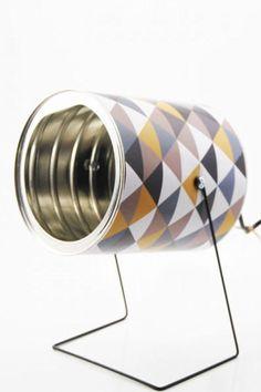 une lampe en bo te de conserve scrapbooking interieur et bricolage. Black Bedroom Furniture Sets. Home Design Ideas