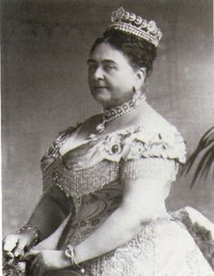 Princess Mary Adelaide, the Duchess of Teck (and Queen Mary's mother) wearing the Teck Crescent Tiara