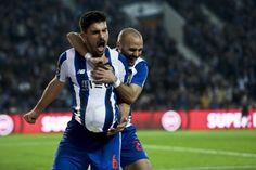 FC Porto a cortar a direito até à liderança provisória