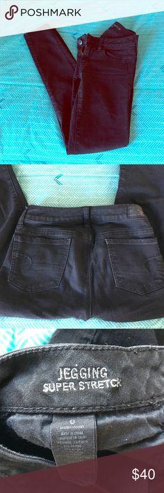 American Eagle Black Jegging short 0 Comfy black jeggings. Short length super stretch. From American Eagle. Size 0 American Eagle Outfitters Jeans Skinny