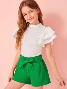 To find out about the Girls Keyhole Back Butterfly Sleeve Top & Belted Shorts Set at SHEIN, part of our latest Girls Two-piece Outfits ready to shop online today! Teenage Girl Outfits, Girls Fashion Clothes, Kids Outfits Girls, Cute Girl Outfits, Tween Fashion, Teen Fashion Outfits, Girly Outfits, Cute Casual Outfits, Dresses For Teens