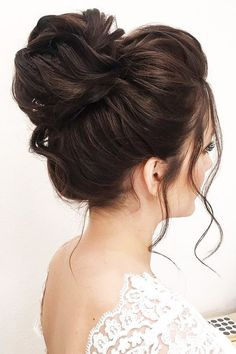 Wedding Hairstyles And Romantic Bridal Updos ★ romantic bridal updos wedding romantic high bun hairstyles elenazerr High Bun Hairstyles, Romantic Hairstyles, Trendy Hairstyles, Wedding Hairstyles, Ladies Hairstyles, Hairstyles 2018, Beautiful Hairstyles, Everyday Hairstyles, High Bun Wedding