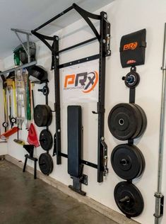 A garage gym like this would be pretty cool. if there isn't room in the house for a personal gym. Home Gym Garage, Diy Home Gym, Gym Room At Home, Basement Gym, Garage House, Garage Doors, Garage Plans, Crossfit Garage Gym, Car Garage