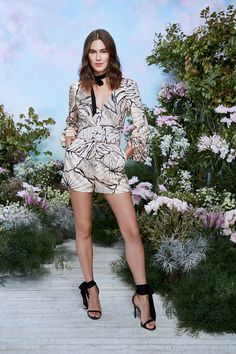 Runway Fashion, Fashion News, Fashion Beauty, Fashion Show, Fashion Styles, Vogue Paris, Estilo Aria Montgomery, Flatlay Styling, Vintage Couture
