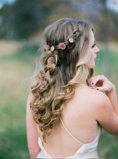 Boho braided crown: http://www.stylemepretty.com/virginia-weddings/2015/04/29/bohemian-wedding-inspiration-at-lionheart-resorts/ | Photography: Amelia Johnson - http://amelia-johnson.com/